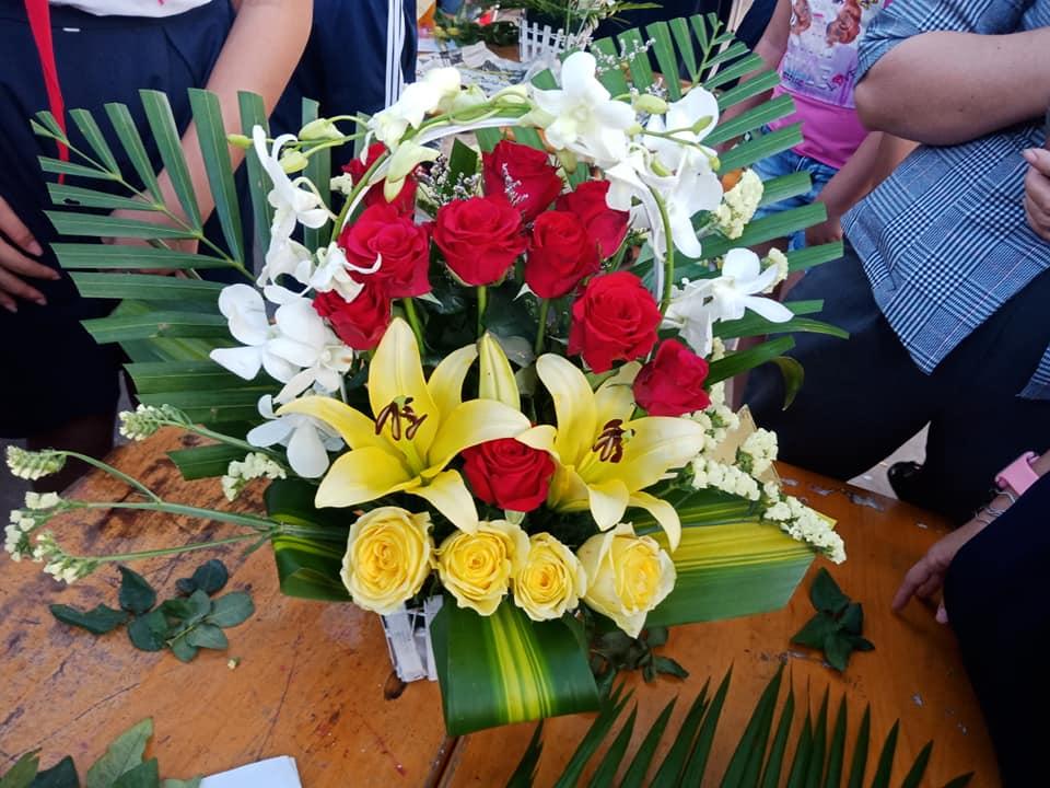 Lẵng hoa đẹp dâng thầy cô